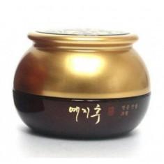 крем для глаз с экстрактом красного женьшеня bergamo yezihu eye cream