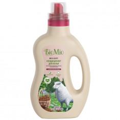 BIOMIO BIO-SOFT Экологичный кондиционер для белья с эфирным маслом корицы 1000мл