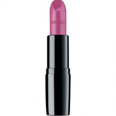 Помада для губ увлажняющая Perfect Color Lipstick ARTDECO